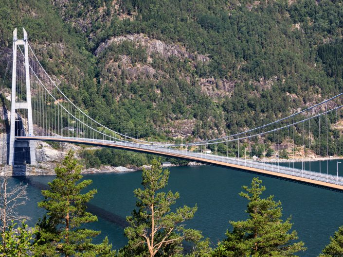 Hardangerbrücke über den Hardangerfjord, Norwegen